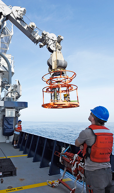 Robotic arm aboard the Auxiliary General Oceanographic Research